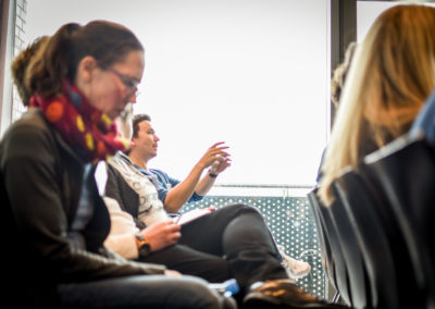 Freitag - auch die Betreuer diskutieren in Workshops